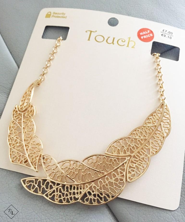 gold necklace-debenhams-newlune-collective haul-touch