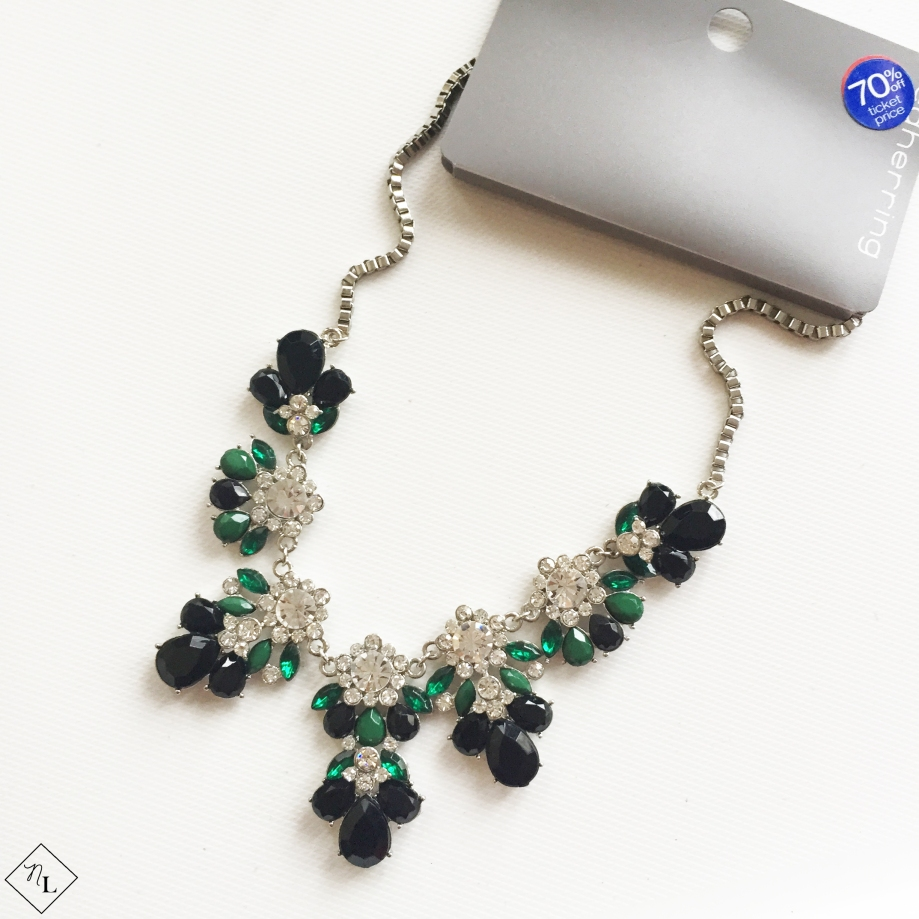 green-white-black-necklace