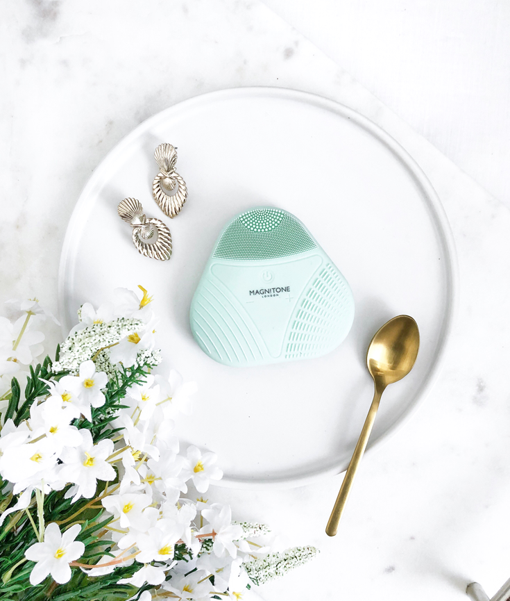 A Cleansing Brush That Won't Rip Your Skin to Shreds featuring Magnitone London - new lune - XOXO Micro Sonic SoftTouch Silicone Cleansing Brush