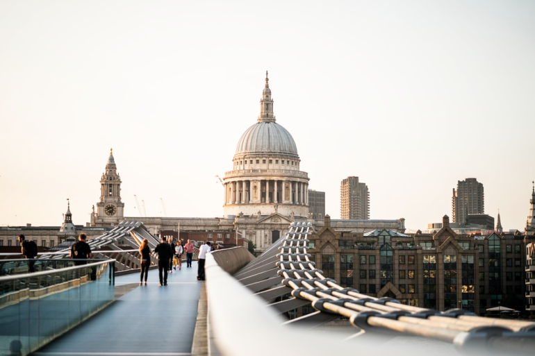 london instagram hotspot guide - st paul's cathedral - new lune