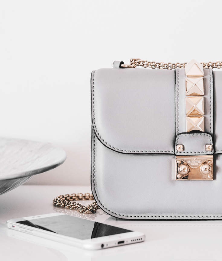 must have items every blogger needs in their bag - new lune